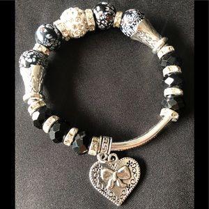 NWOT Charm stretchy Bracelet